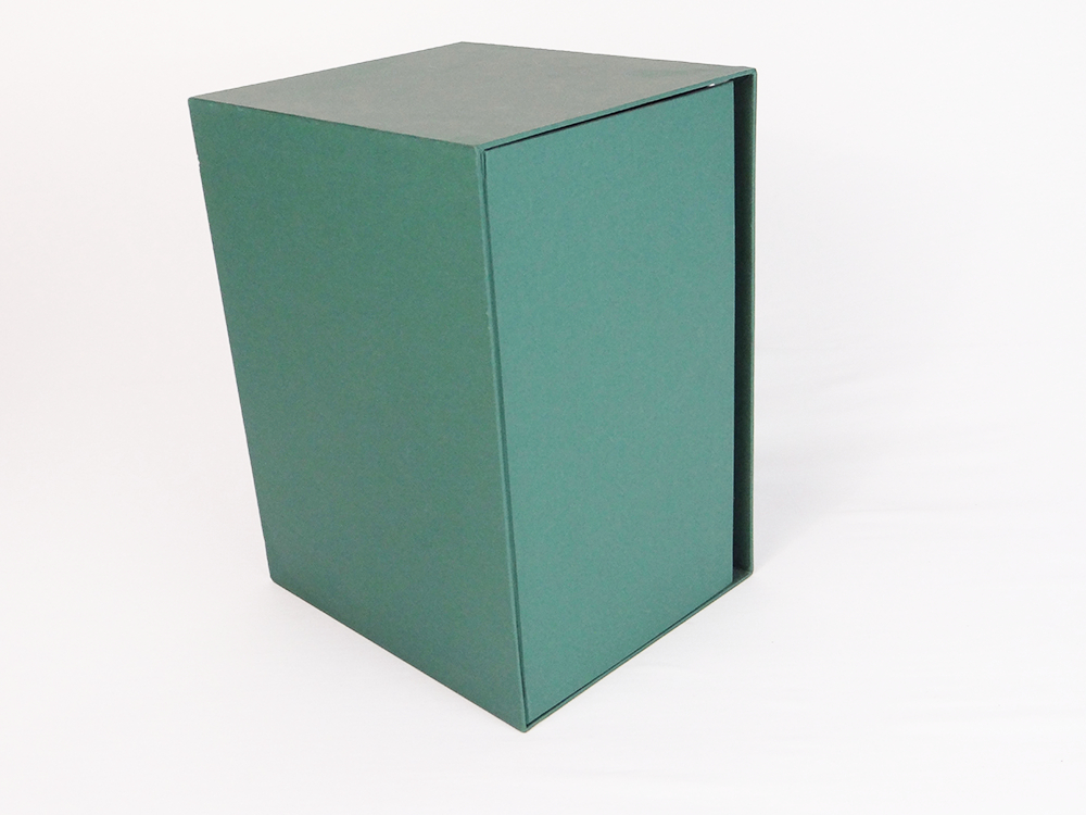 BOX RIVESTITO CON IMITLIN VERDE