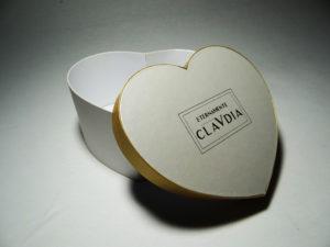 scatola-a-cuore-oro-bianca-aperta