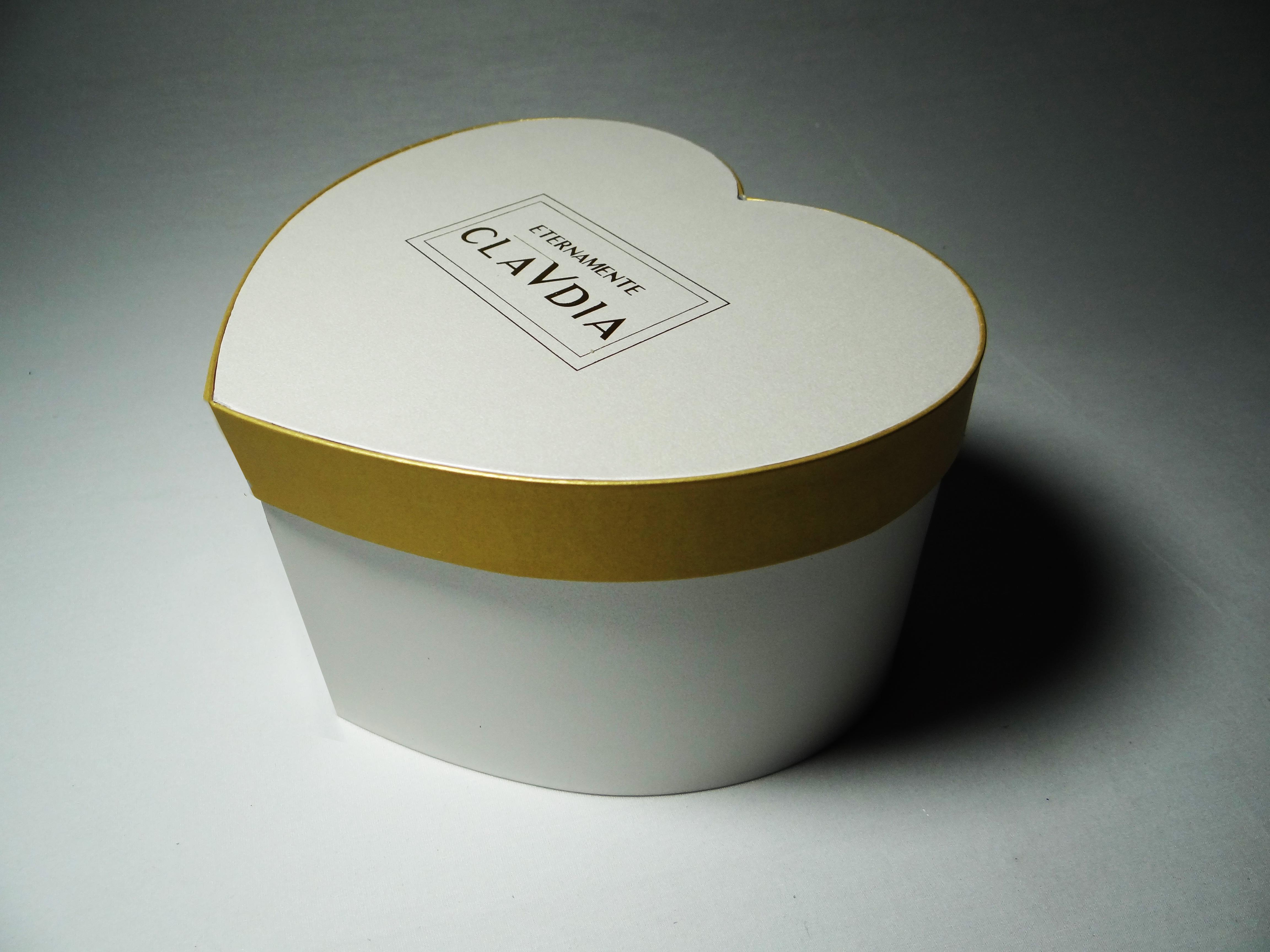 scatola-a-cuore-oro-bianca-chiusa